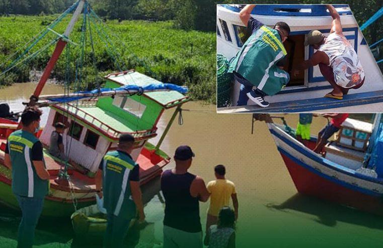Fiscalização em embarcações de pescado.