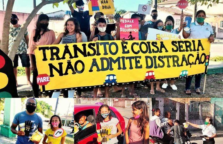 AÇÃO EDUCATIVA DE TRÂNSITO NA PRAÇA DO BAIRRO VILA NOVA.